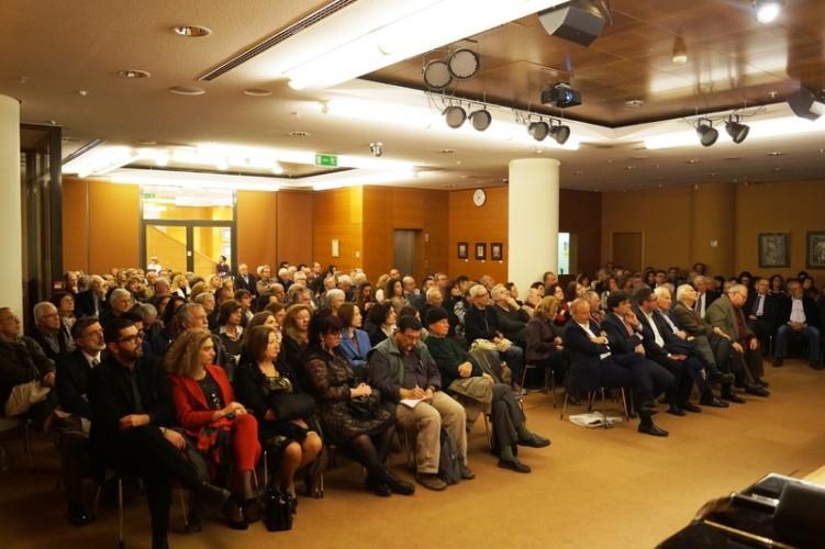 Σημαντικές αποφάσεις καλείται να πάρει η Γενική Συνέλευση των Ανθέων της Πέτρας το ερχόμενο Σάββατο 15 Δεκεμβρίου, ώρα 6.00 μμ στην αίθουσα της Παναρκαδικής Ομοσπονδίας
